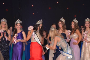 Crowning the new Miss Teenage Ontario